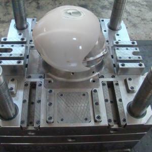 stampaggio della calotta esterna in ABS